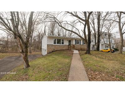 Brittany Dr, Chalfont, PA 18914