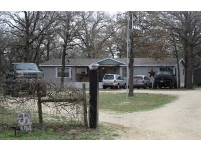 Oak-valley-dr-Lavernia-TX-78121