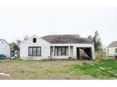 E-houston-st-Refugio-TX-78377
