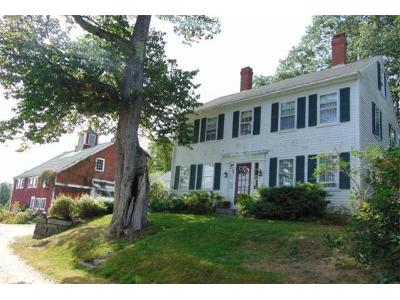 Pleasant-st-Blue-hill-ME-04614