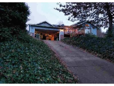 E-main-st-Cottage-grove-OR-97424