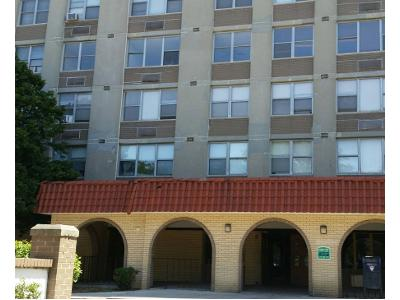 W-ford-city-dr-apt-608-Chicago-IL-60652