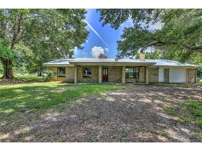 County-road-2272-Cleveland-TX-77327