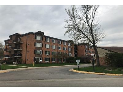 S-new-wilke-rd-apt-404-Arlington-heights-IL-60005