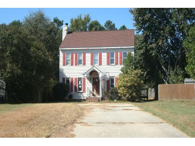 Brick-court-Raleigh-NC-27616