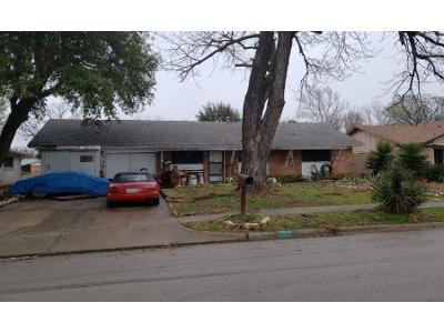 Oakwood-ave-Hurst-TX-76053