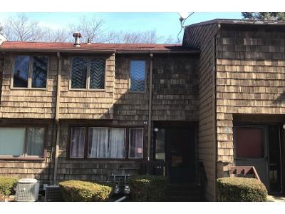 Towne-house-rd-Hamden-CT-06514