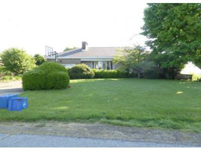 Crescent-dr-New-kensington-PA-15068