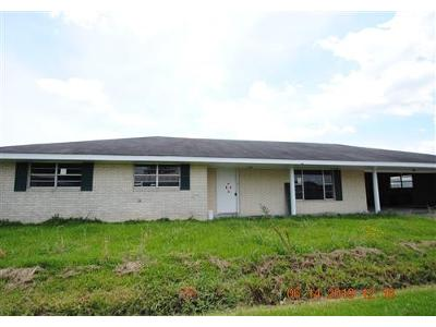 Green-acres-st-Larose-LA-70373