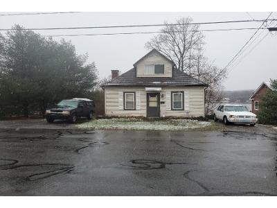 E-lake-st-Winsted-CT-06098
