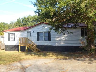 Easley-st-Rutledge-TN-37861