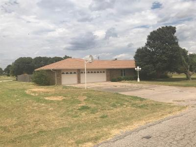 W-chrysler-ave-Blackwell-OK-74631