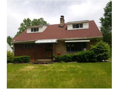 Prime 453 Roslyn Ave Akron Ohio 44320 Foreclosure Com Home Interior And Landscaping Mentranervesignezvosmurscom