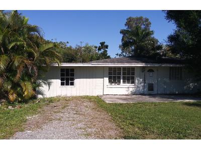 S-pebble-ln-Fort-myers-FL-33912