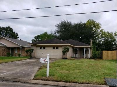 Gross-st-Beaumont-TX-77707