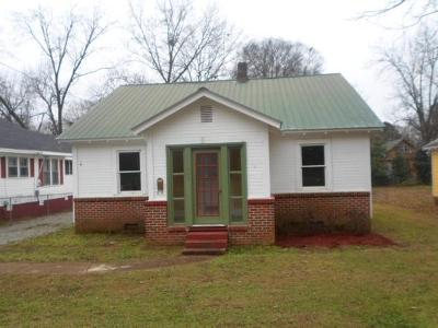 W-appletree-st-Scottsboro-AL-35768