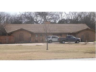 Fox-creek-dr-Comanche-TX-76442