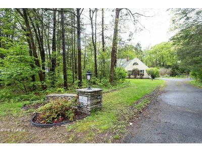 Hunting-hills-dr-Southington-CT-06489