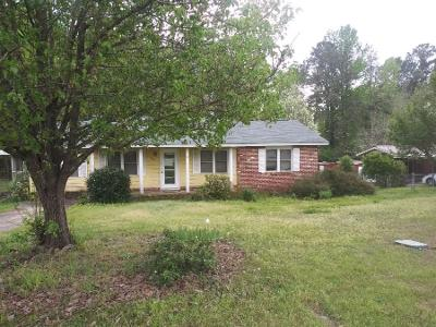 Lynn-dr-Phenix-city-AL-36867