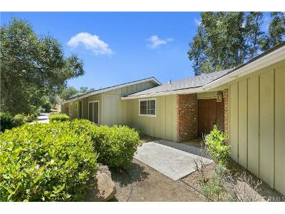 Stone-post-rd-Fallbrook-CA-92028