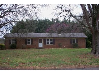 Clay-st-Claremont-NC-28610