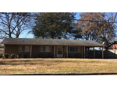 S-beauchamp-ave-Greenville-MS-38703