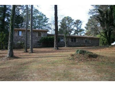 Niskey-lake-cir-sw-Atlanta-GA-30331