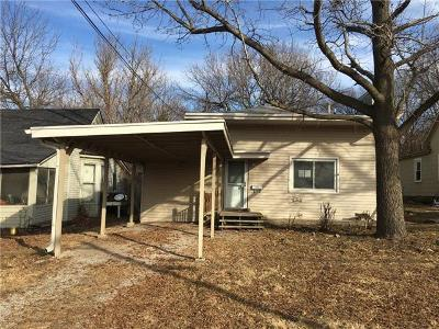 S-brookside-ave-Independence-MO-64053