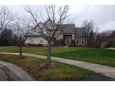 Maple-mill-ct-West-bloomfield-MI-48323