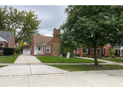 Hollywood-ave-Grosse-pointe-woods-MI-48236