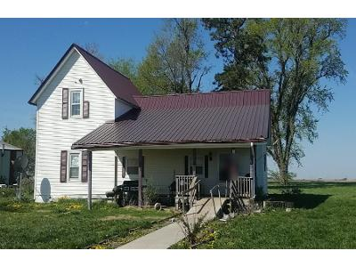 220th-st-Hiawatha-KS-66434