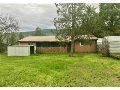 Laura-st-Myrtle-creek-OR-97457