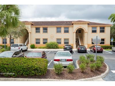 Bellamar-cir-apt-314-Fort-myers-FL-33908