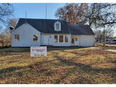 Enlows-ave-Blackwell-OK-74631