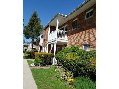 Adams-rd-apt-1e-Central-islip-NY-11722