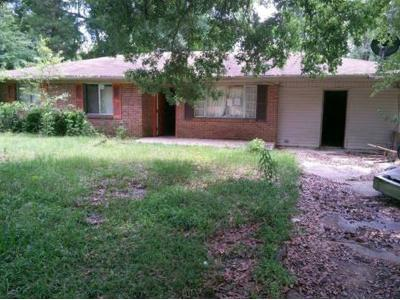 W-hinton-ave-Lumberton-MS-39455