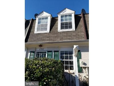 Dutch-village-dr-#-p298-Hyattsville-MD-20785