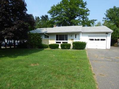 Beacon-manor-cir-Naugatuck-CT-06770