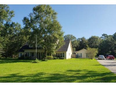 Private-road-6351-Dayton-TX-77535